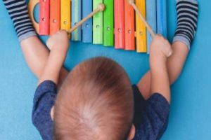 take-your-baby-to-music-classes-1280×960-1024×576-